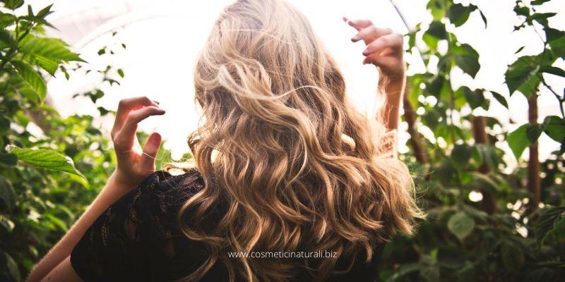Maschera nutriente capelli mossi e ricci