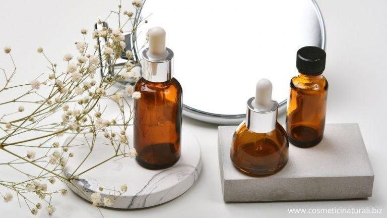 Barattoli e boccettini di vetro per cosmetici