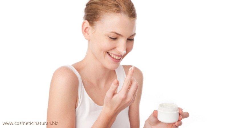 Cosmetici da viaggio per il viso