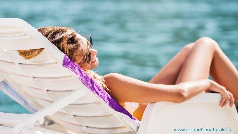 Solari e altri cosmetici naturali per il mare